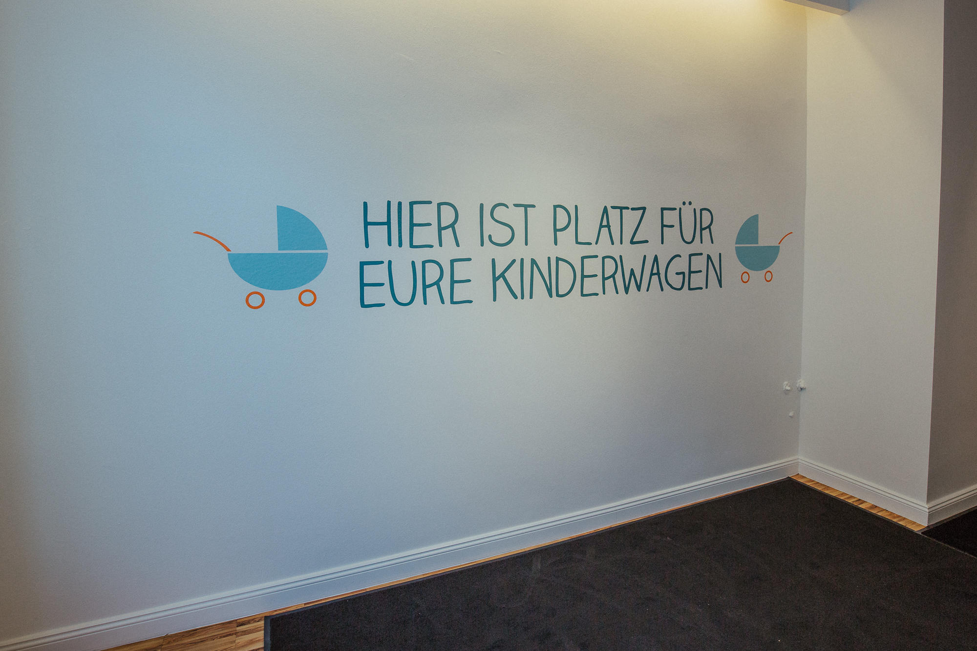 Kinderwagenparkplatz bei Knirpse & Komplizen